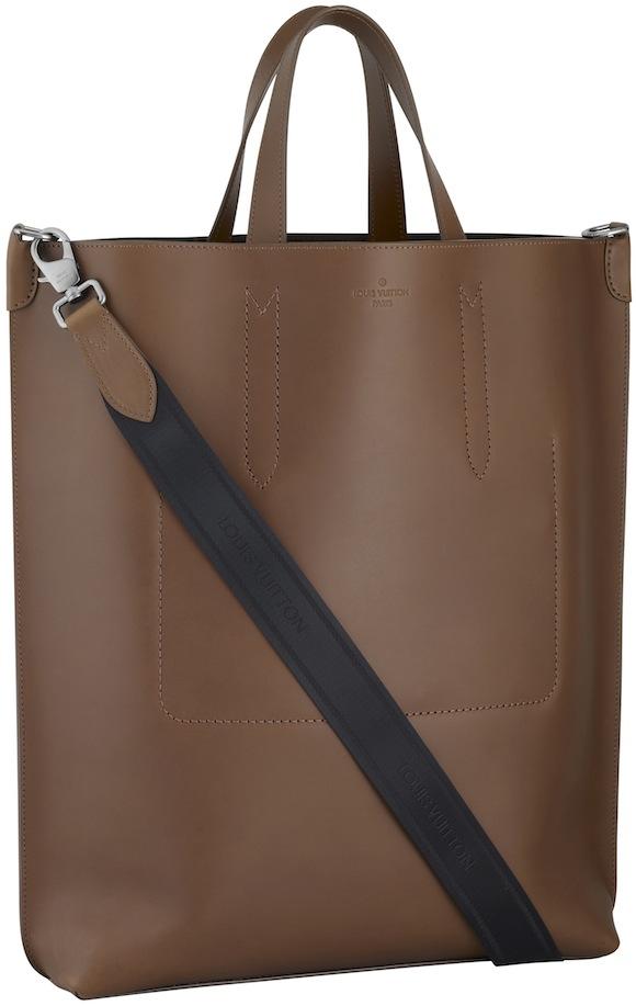 Дом моды Луи Виттон показал мужскую коллекцию сумок Louis Vuitton...