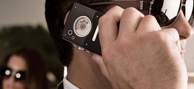 Люксовый смартфон Ulysse Nardin Chairman уже в продаже