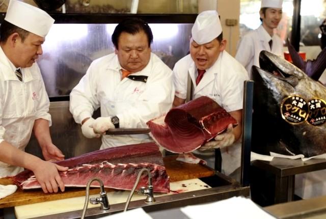В Японии продан самый дорогой тунец в мире