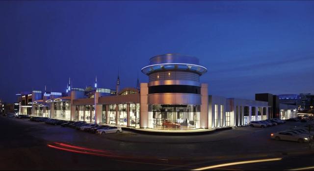 В Абу-Даби открылся салон BMW