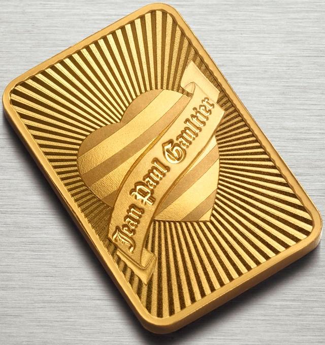 Дизайнерский золотой слиток а-ля Жан-Поль Готье