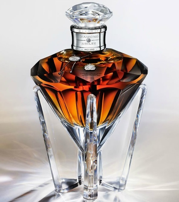 Виски Diamond Jubilee John Walker & Sons в честь Елизаветы II