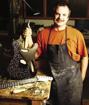 Самая дорогая гитара в мире Fender Midnight Opulence