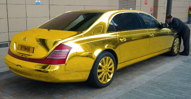 Золотой Maybach 62 Тео Пафитиса