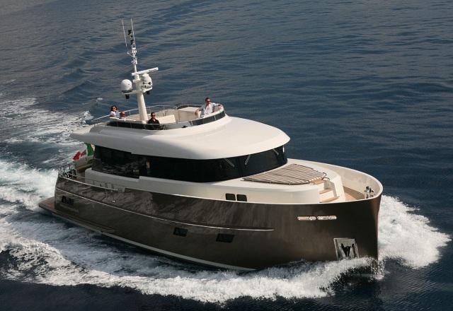 Мини-суперяхта Gamma 20 из Италии