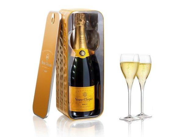 Шампанское Veuve Clicquot в банке из-под сардин