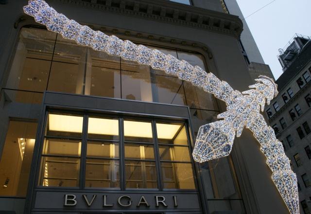 Bulgari выпустил светящихся змей