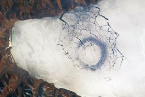 Ледяные круги на воде