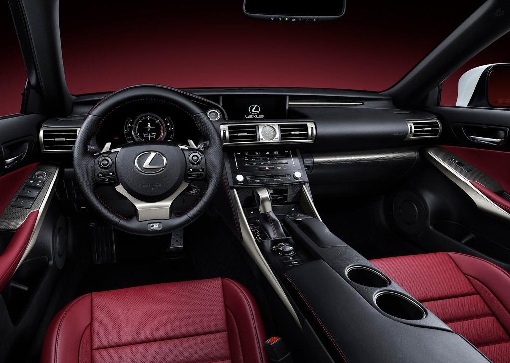 Lexus IS 2014 - люксовый седан