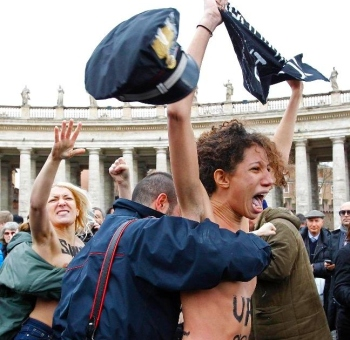 FEMEN оскандалились в Ватикане