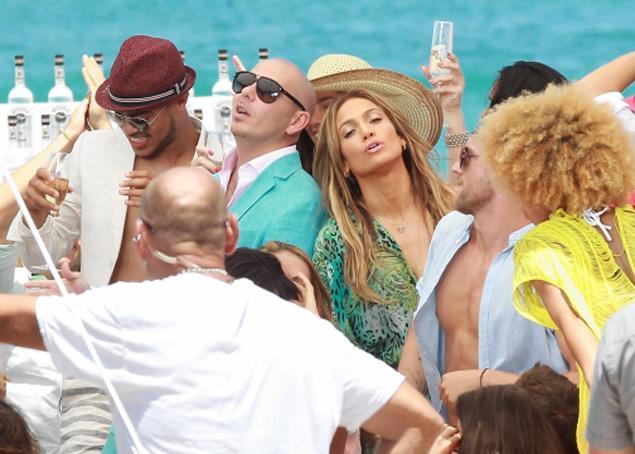 Jennifer Lopez Live it Up 2