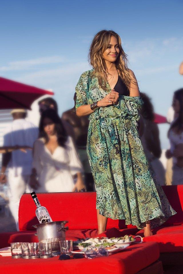 Jennifer Lopez Live it Up