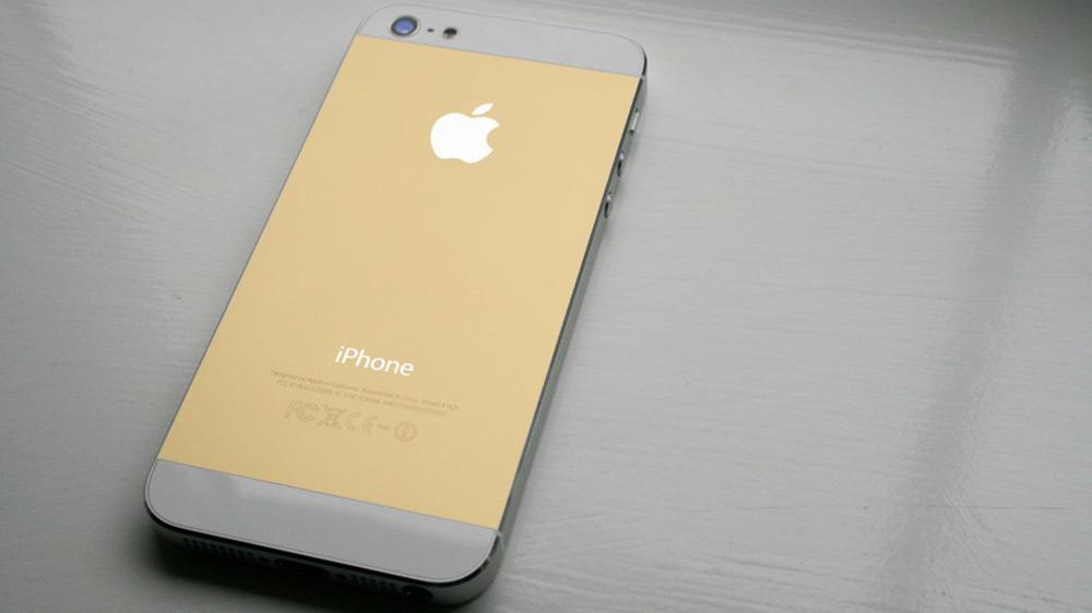 Apple выпустит iPhone 5S в сентябре