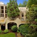 Особняк миллиардера Бернарда Маркуса выставлен на продажу за $3,2 млн