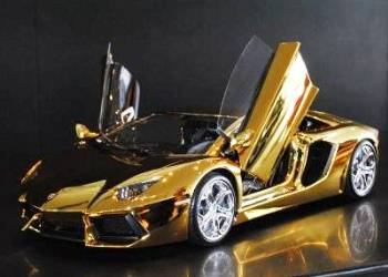 Lamborghini Aventador - gold and diamonds