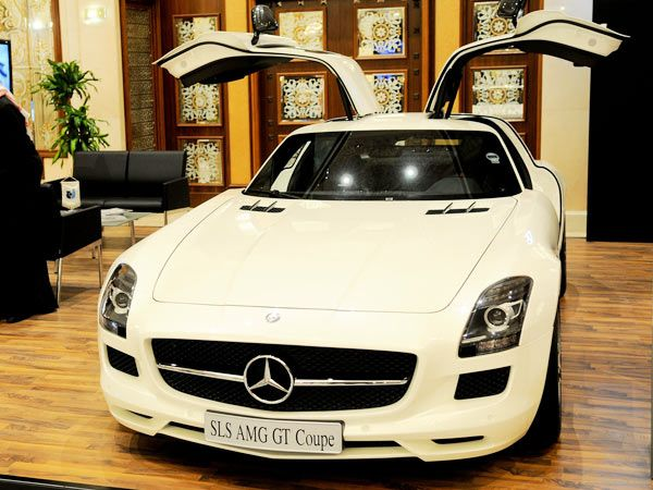 Mercedes-Benz SLS AMG Gullwing $200000