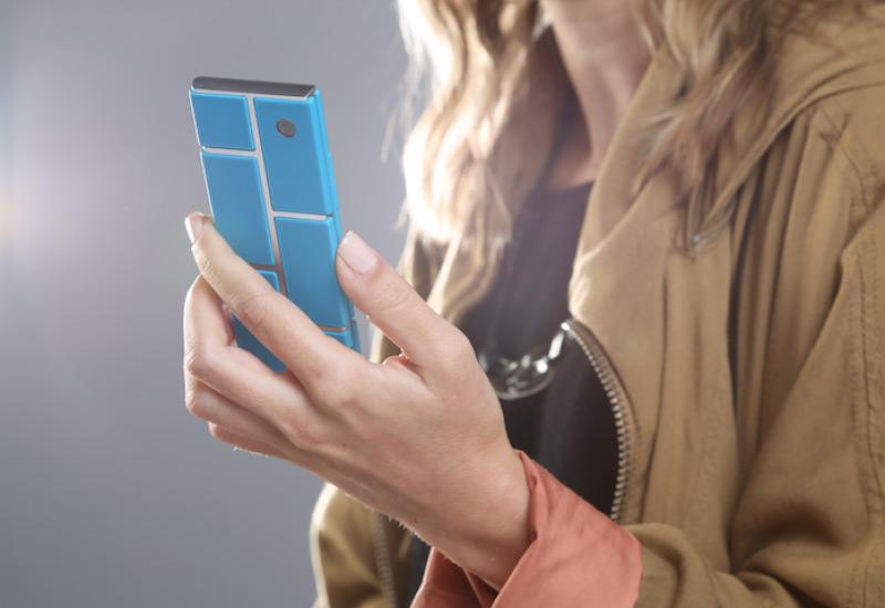 Motorola представила проект модульных смартфонов Ara