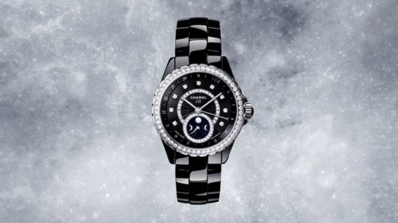 Chanel представил новую модель часов J12 Moonphase