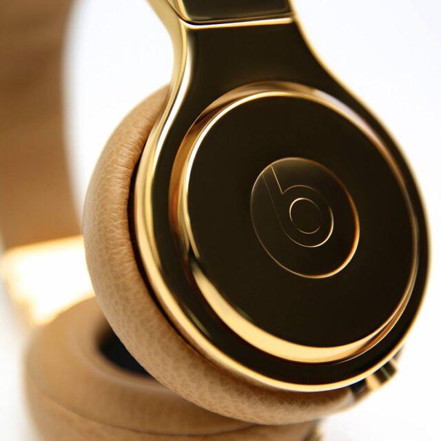 Naomi Campbell Beats by Dre Golden Beats Pro headphones