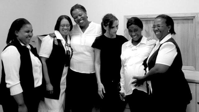 Виктория Бэкхем пожертвовала свой гардероб в пользу матерей с ВИЧ-инфекцией