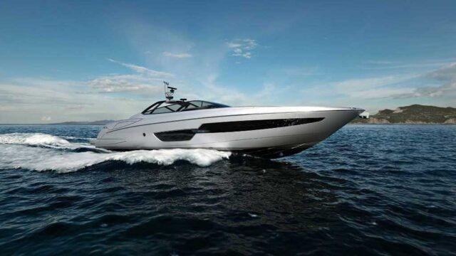 Riva 88 Florida — яхта-кабриолет