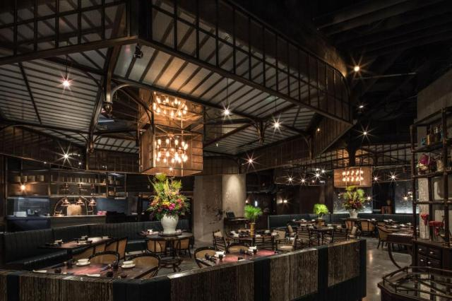 Hong Kong restaurant interior MOTT32