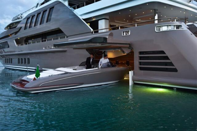 Jade superyacht by CRN 2