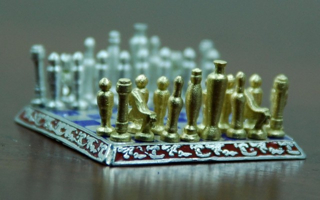 Smallest jewelry chess 2
