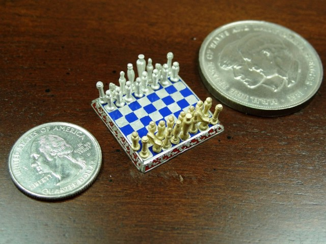 Smallest jewelry chess
