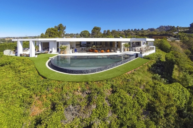 Home Markus Notch Persson 2