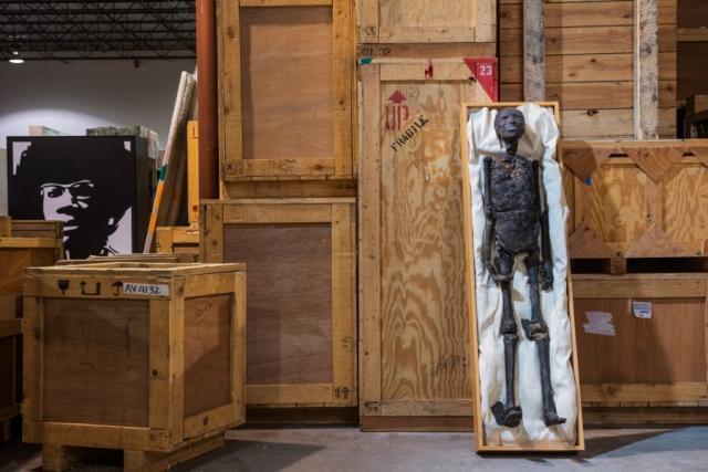 Воссозданная в мельчайших деталях полноразмерная копия мумии Тутанхамона на основе томограммы останков фараона была распечатана из прозрачного полимера. Затем ее обработали и покрасили, чтобы сымитировать вид иссохшейся плоти. Автор: Роберт Кларк