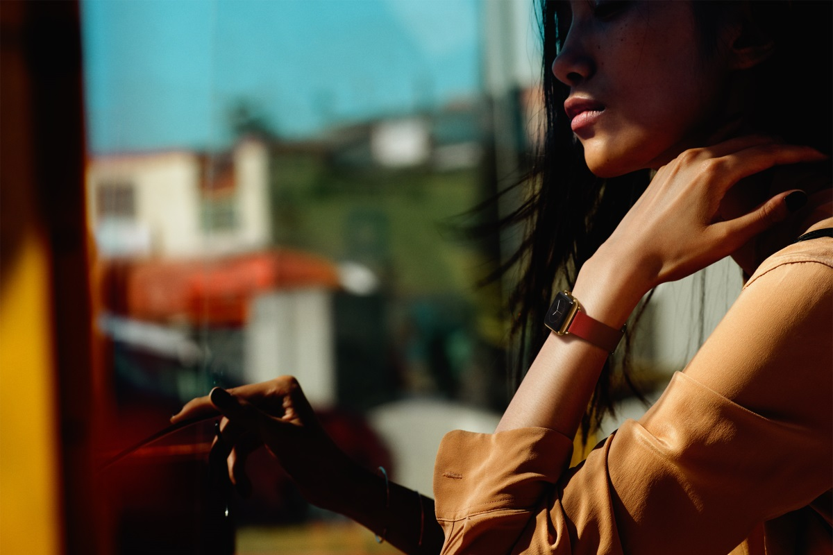 Gold Apple Watch 3