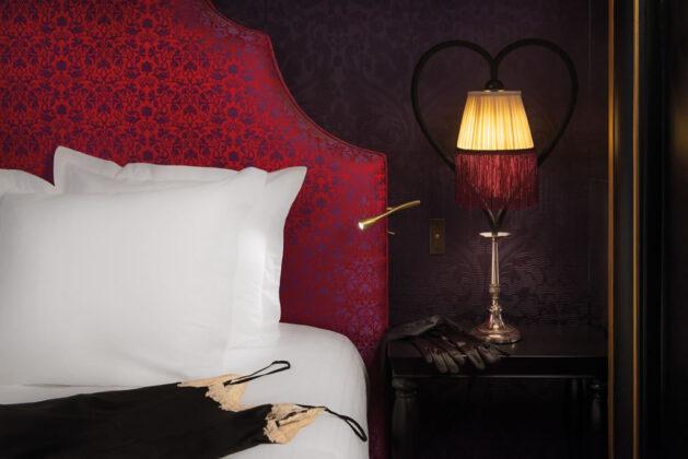 Интим-отель Maison Souquet в Париже