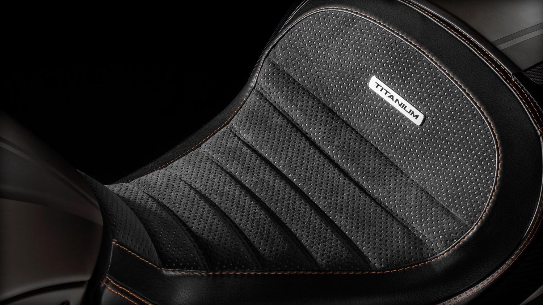 Лакшери-круизер Ducati Diavel Titanium 2015