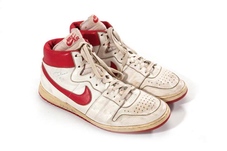 первые кроссовки Nike Майкла Джордана