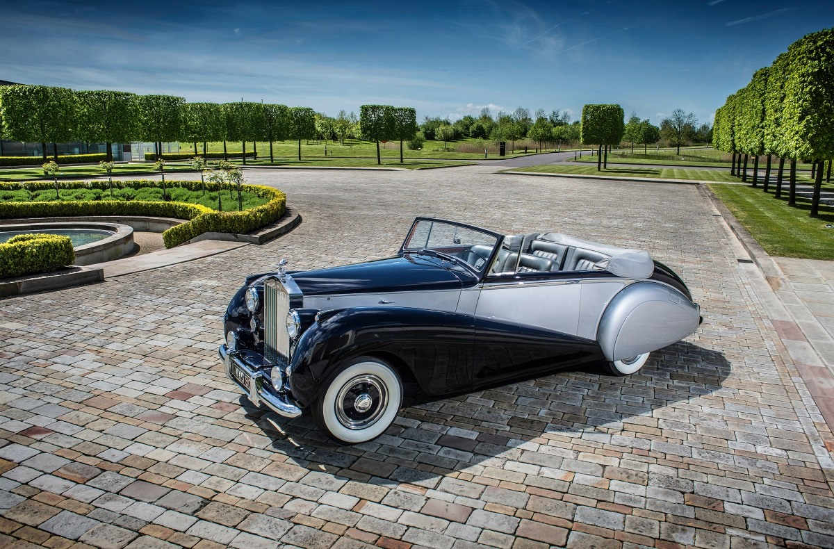 Элегантный Rolls-Royce Dawn
