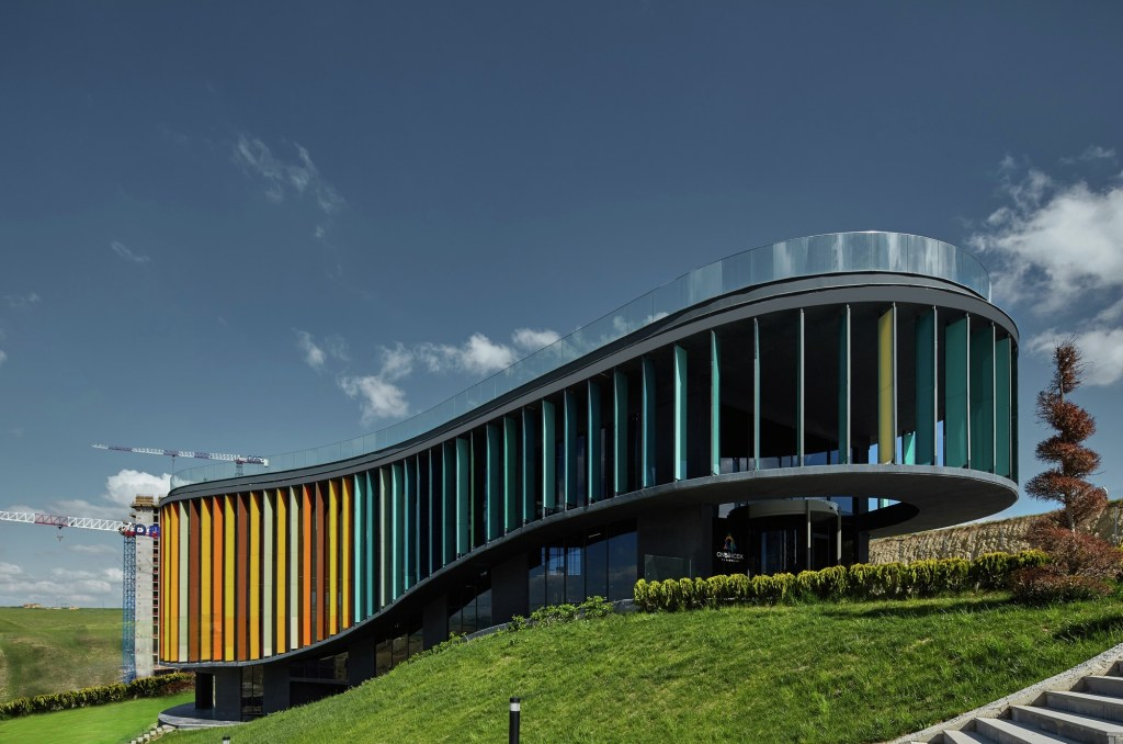 ONS INCEK Showroom and Sales Office