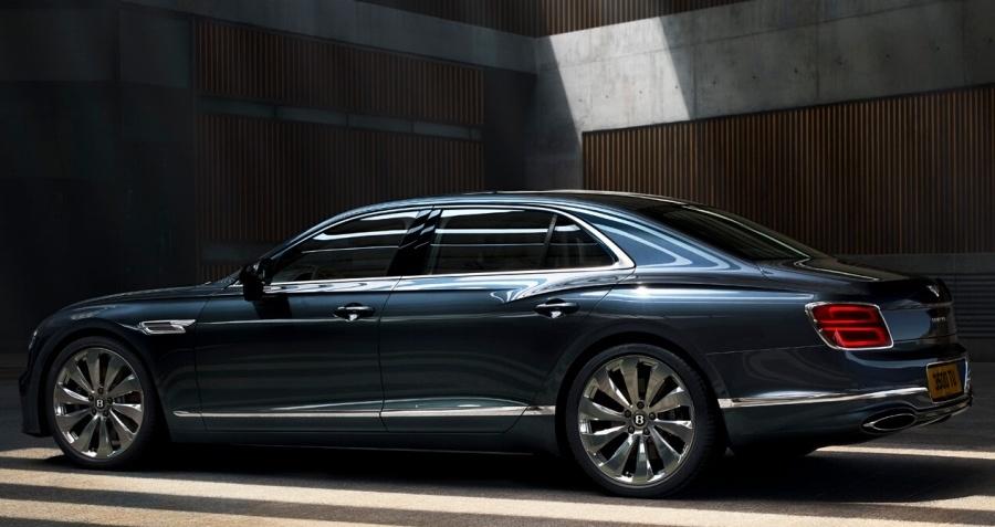 Новый Bentley Flying Spur - когда миры сталкиваются